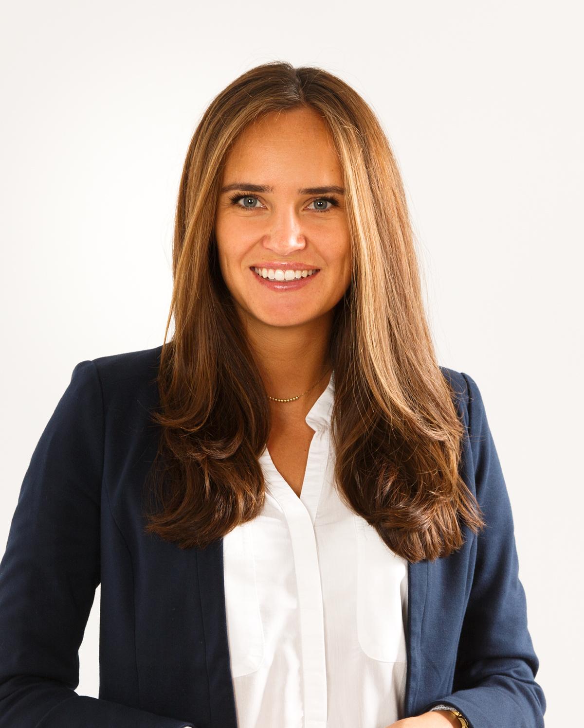 Frau Christina Zimmermann